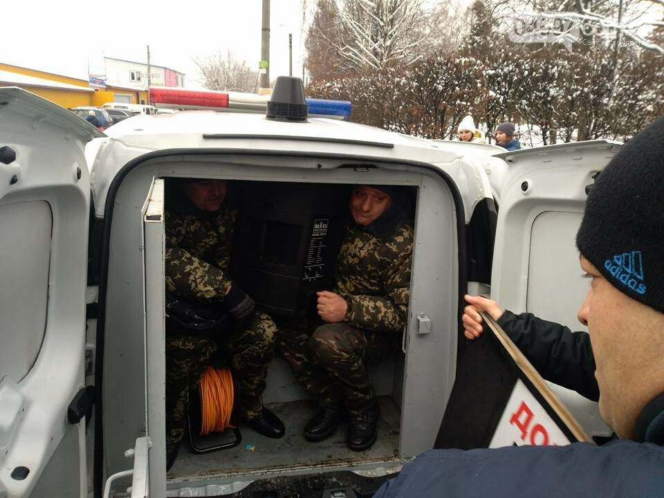 У Бучі поліція затримала псевдоволонтерів, фото-3