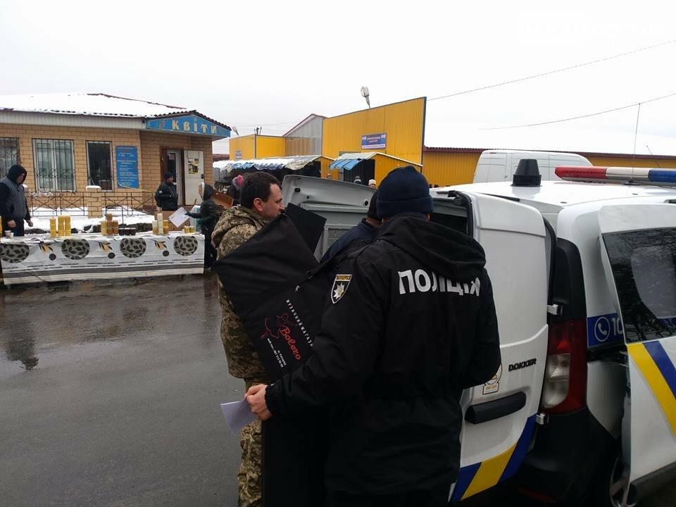 У Бучі поліція затримала псевдоволонтерів, фото-2