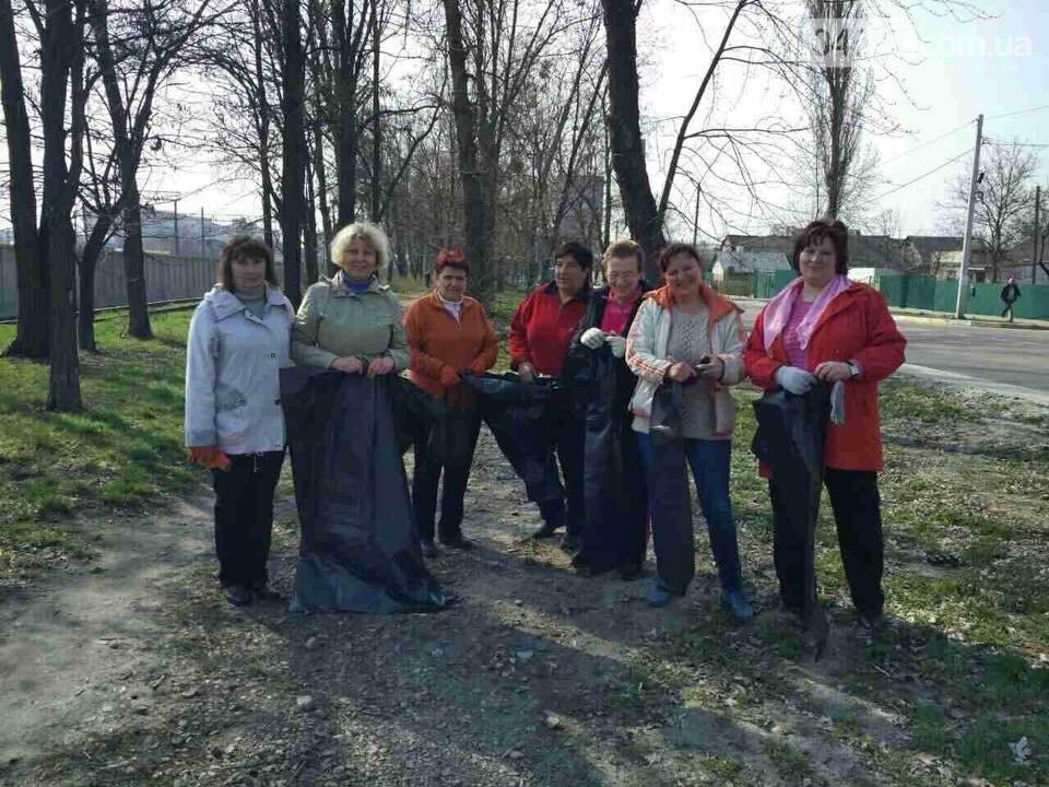 Депутати поприбирали сміття біля річки, фото-2