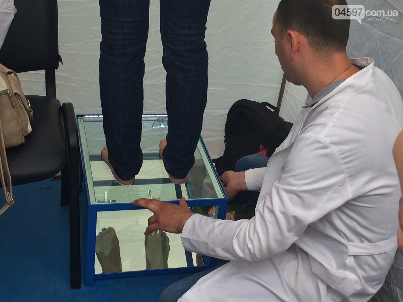 У парку Правика в Ірпені ажіотаж, щоб провести діагностику плоскостопості, фото-6