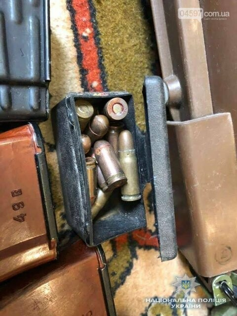 У квартирі бучанця поліція вилучила арсенал зброї, фото-3