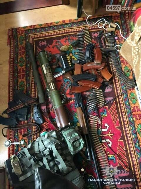 У квартирі бучанця поліція вилучила арсенал зброї, фото-4