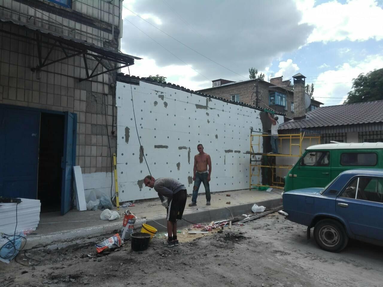 Еко-маркет та Дім доргівлі змінють фасад (Фотозвіт), фото-3