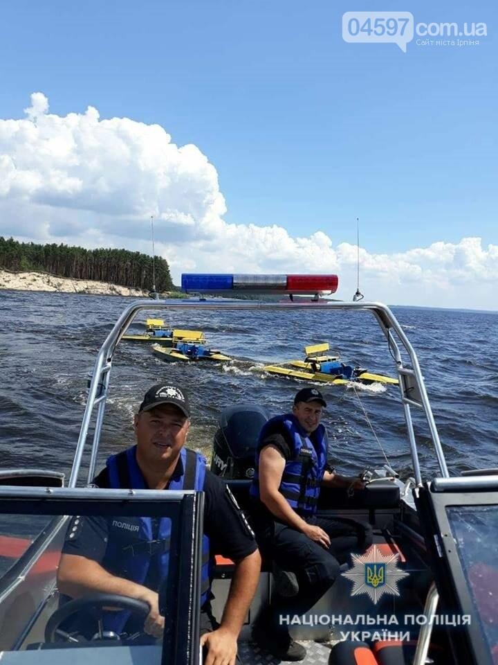 На Київщині новостворена водна поліція повернула власнику зниклі катамарани, фото-1