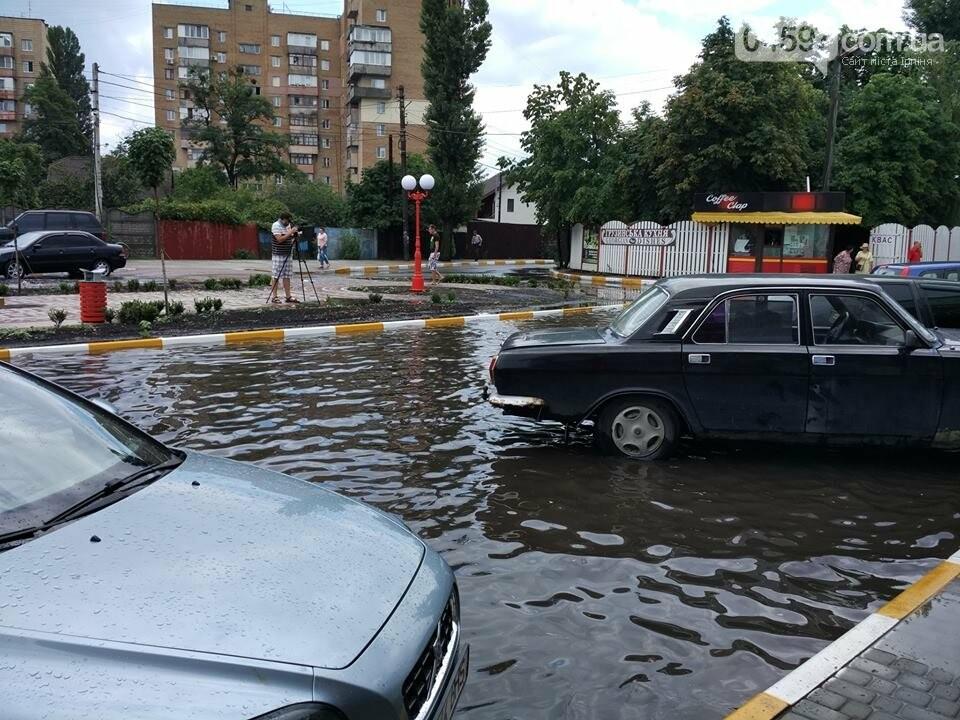 Короткочасна злива перетворила  Ірпінь на Венецію, фото-4