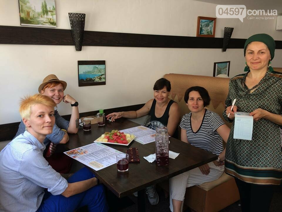 Маргарита Січкар каталась на велику по Ірпеню, фото-2