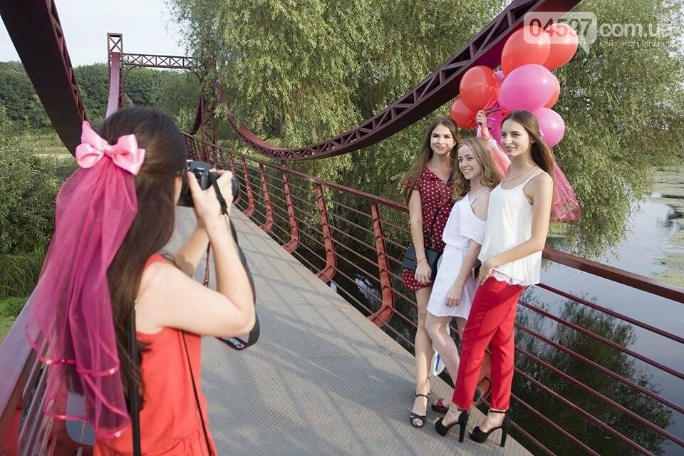 Ірпінські наречені святкують дівич-вечір на містку Незнайки, фото-5