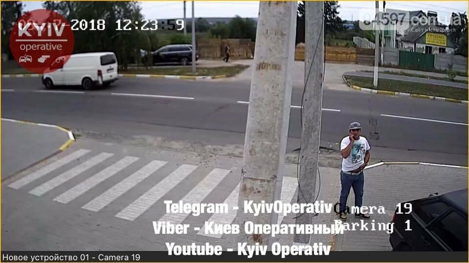 Опізнай злочинця: В Гостомелі обікрали автомобіль, фото-5