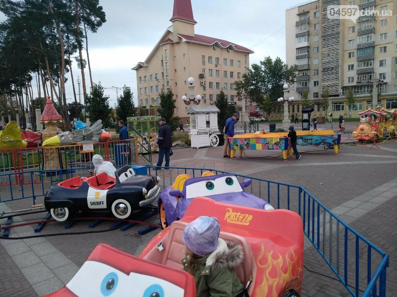 Атракціони на Центральній площі працюватимуть до вихідних, фото-5