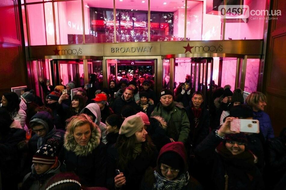 Чорна п`ятниця: як в світі розносять прилавки магазинів, фото-2