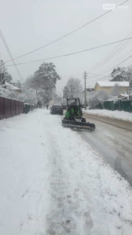 Снігова стихія: що відбувається на дорогах Ірпеня та області, фото-3
