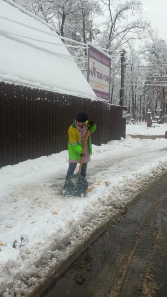 Снігова стихія: що відбувається на дорогах Ірпеня та області, фото-1