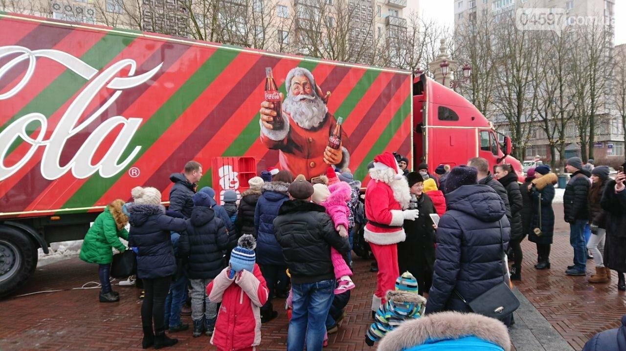 Прямо зараз: в центрі Ірпеня вантажівка Coca Cola, фото-2