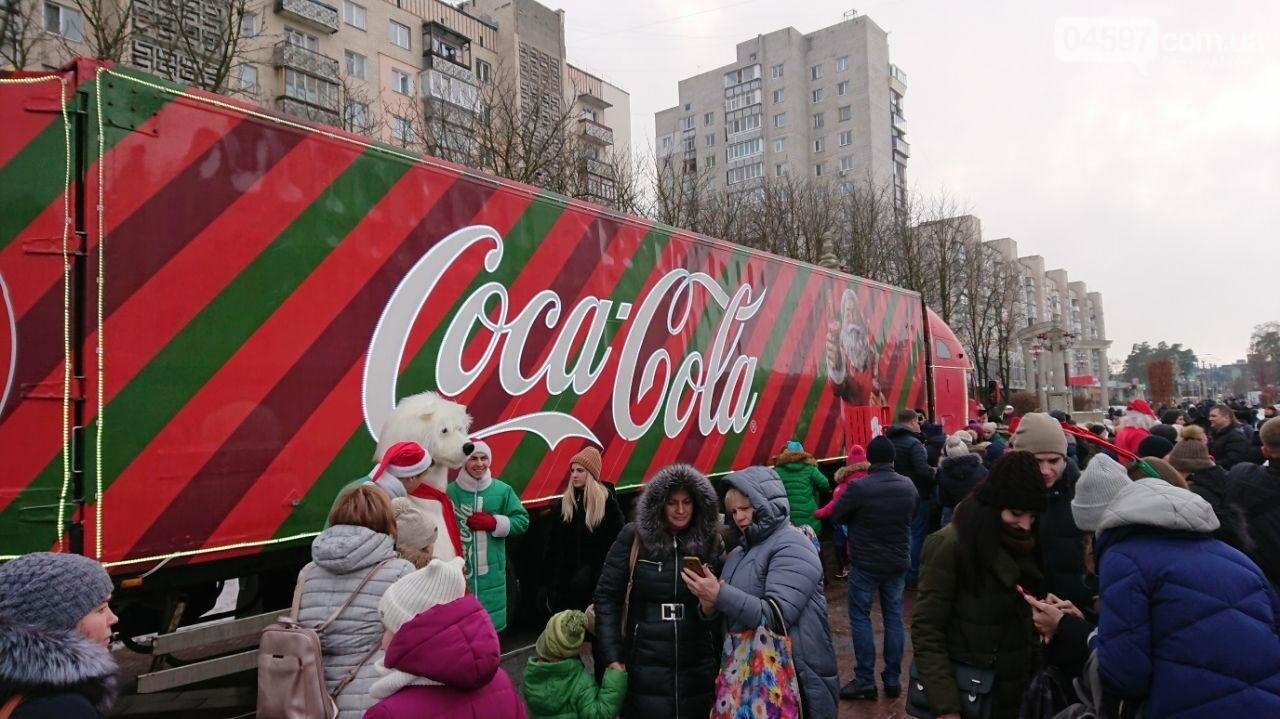 Прямо зараз: в центрі Ірпеня вантажівка Coca Cola, фото-3