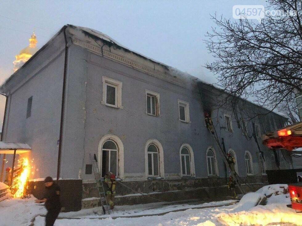 У Києві горить Києво-Печерська лавра, фото-6