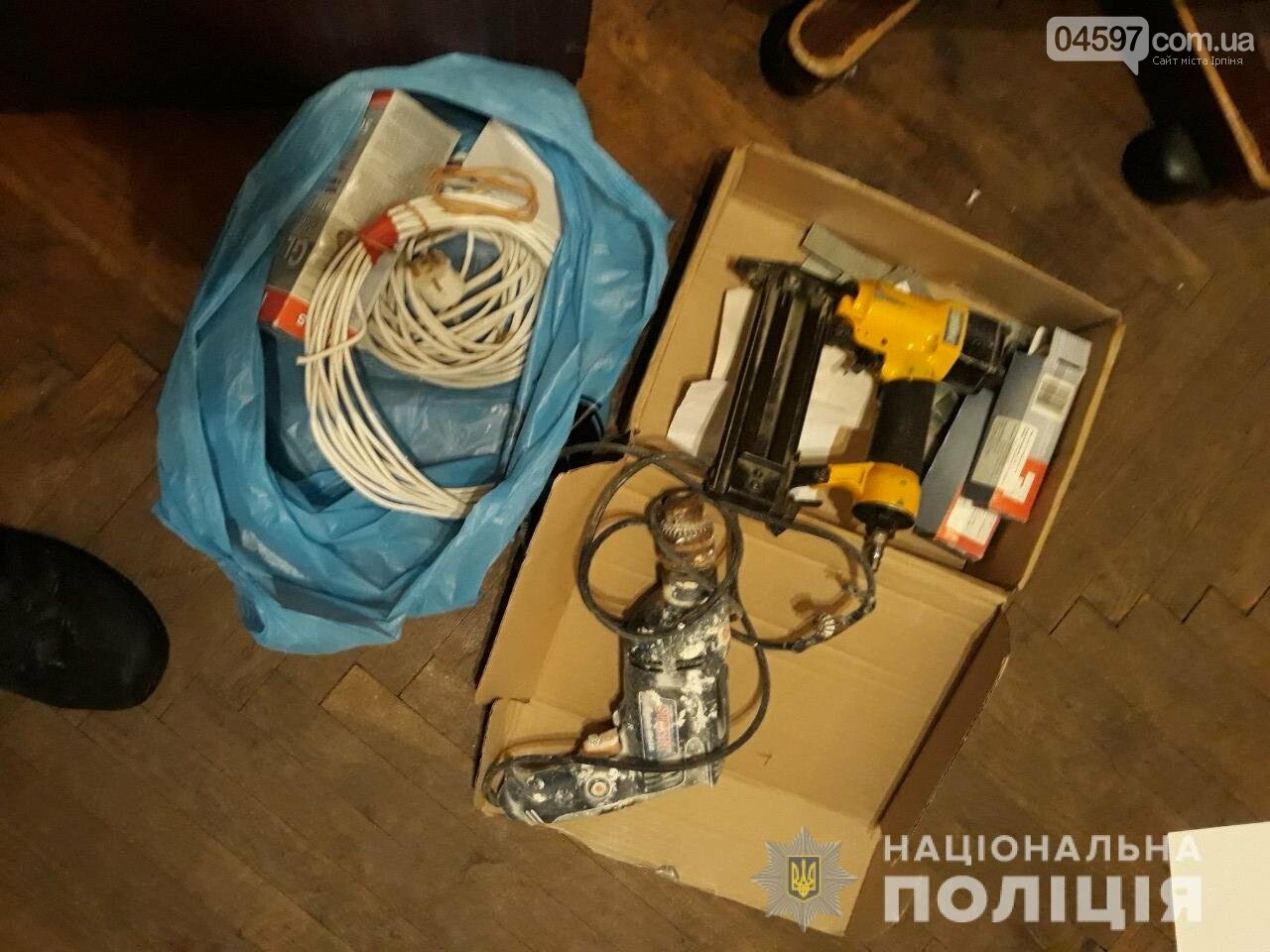 На світанку в Ірпені затримали двох ірпінчан із повним візком награбованого та наркотиками, фото-2