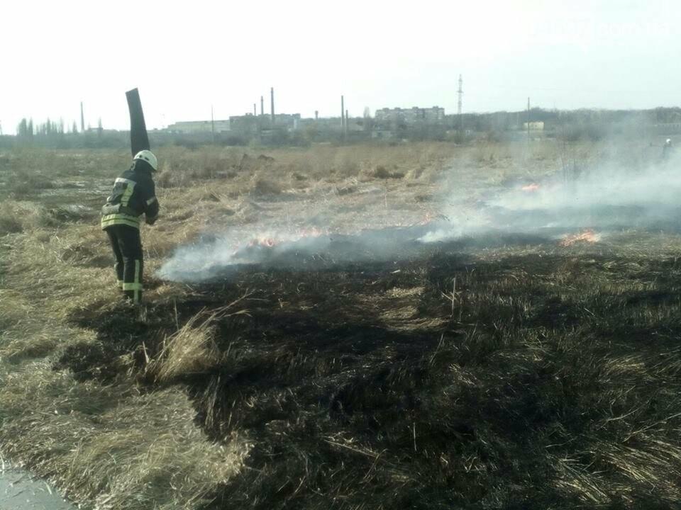 За вихідні в Приірпінні вигоріло майже 6 га сухої трави, фото-1