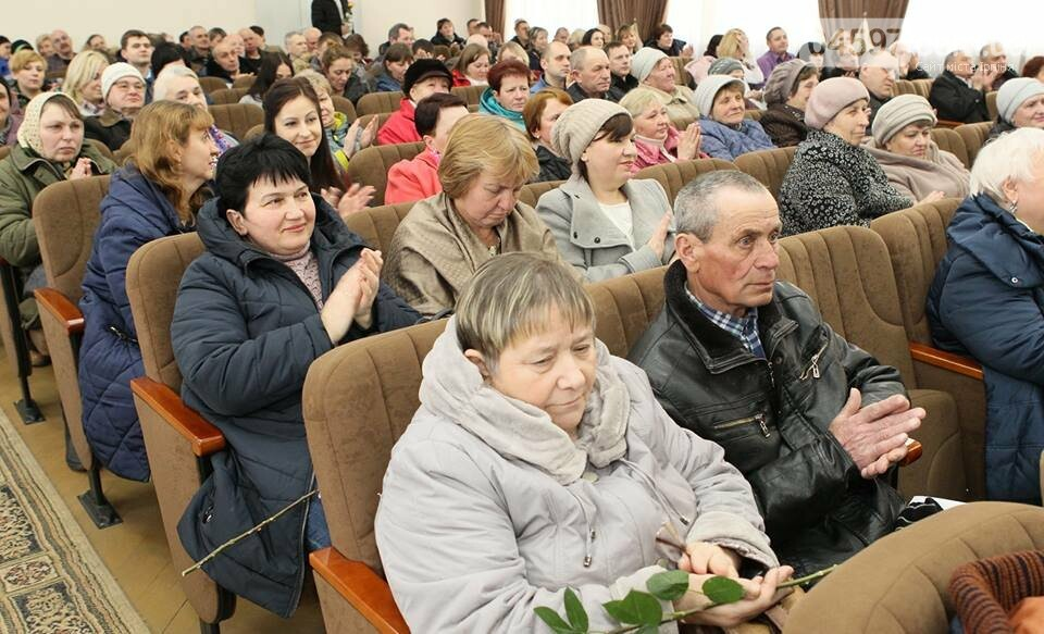 Ірпінські комунальники отримали ордери на житло напередодні професійного свята, фото-2