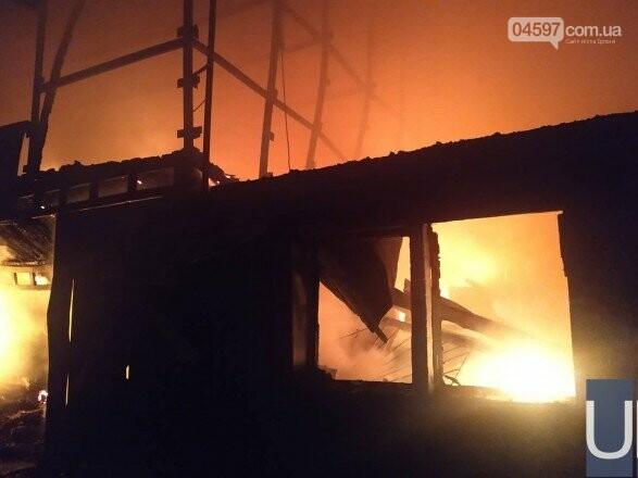 У Ворзелі горів завод з виготовлення бронежилетів: постраждала одна особа, фото-2
