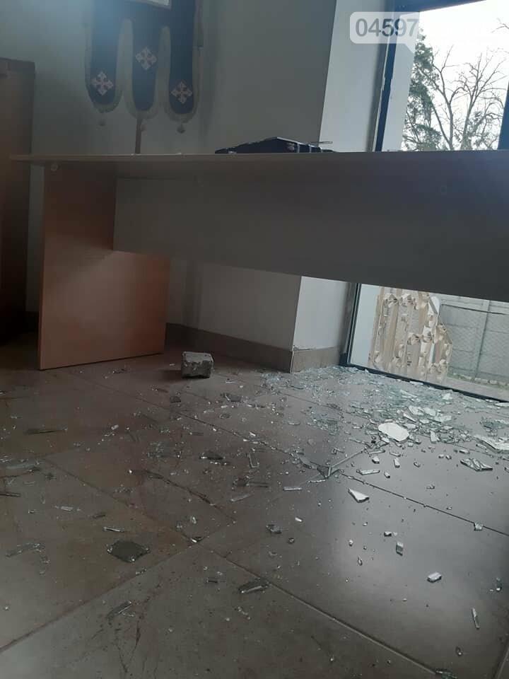 У Бучі вандали осквернили та пограбували храм УПЦ, фото-1