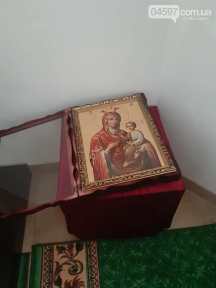 У Бучі вандали осквернили та пограбували храм УПЦ, фото-5