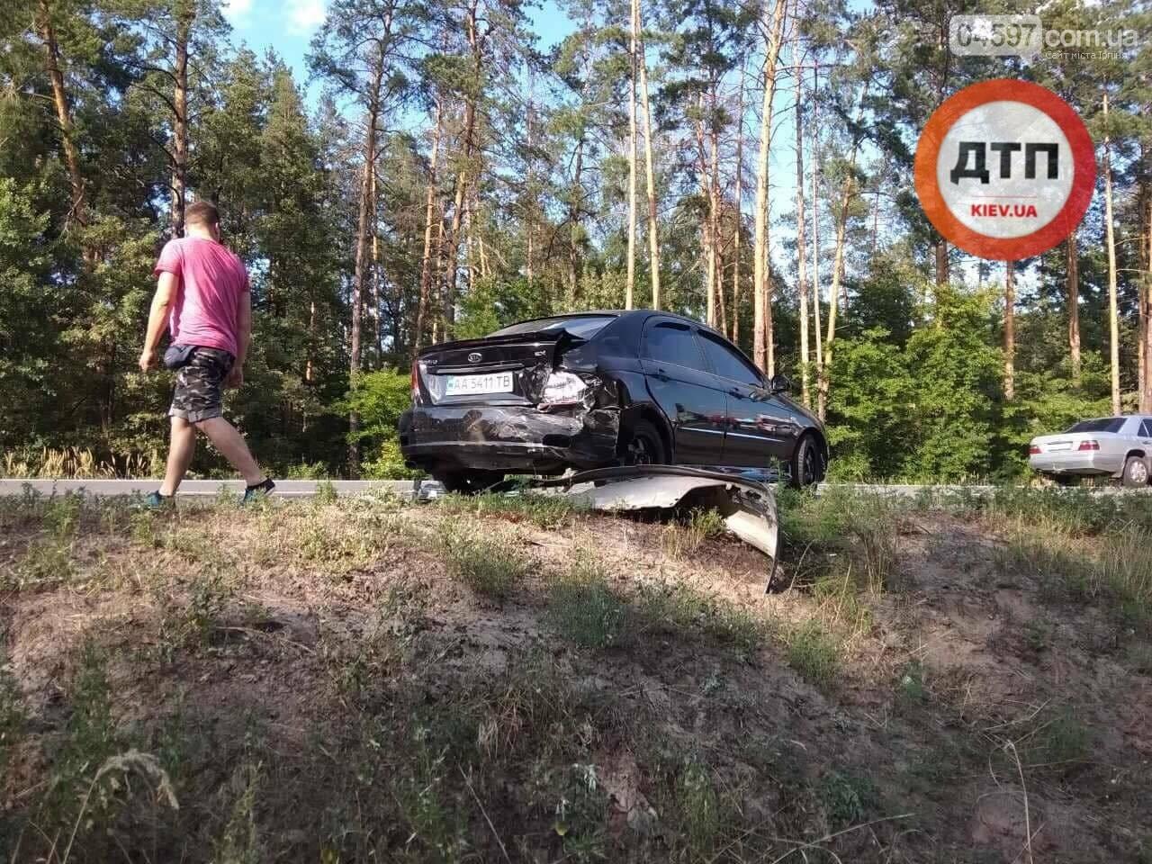 Серйозна ДТП на Новоірпінській трасі: двоє людей постраждало , фото-2