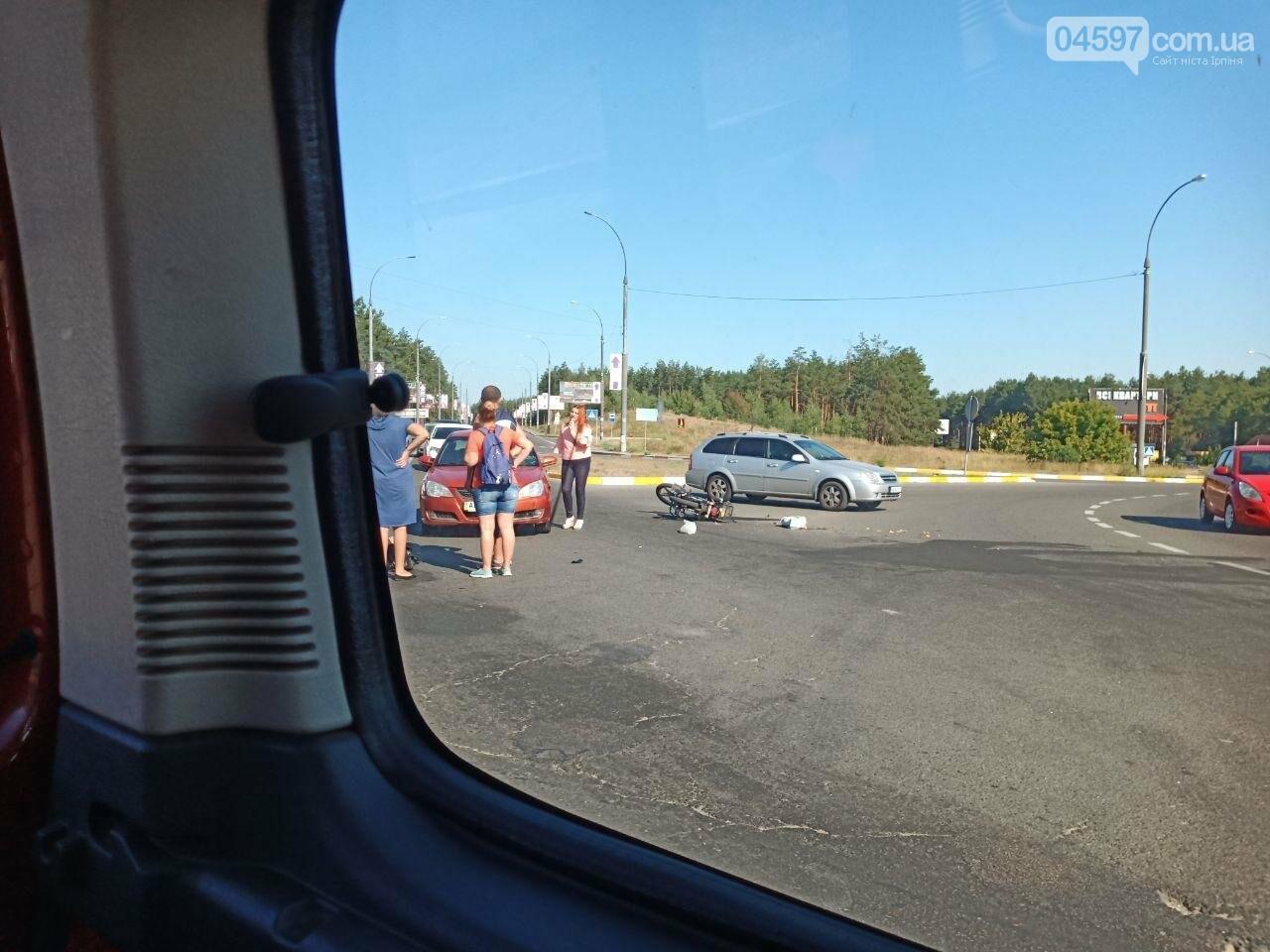 На в'їзді в Ірпінь сталося ДТП, постраждав водій мопеда, фото-3