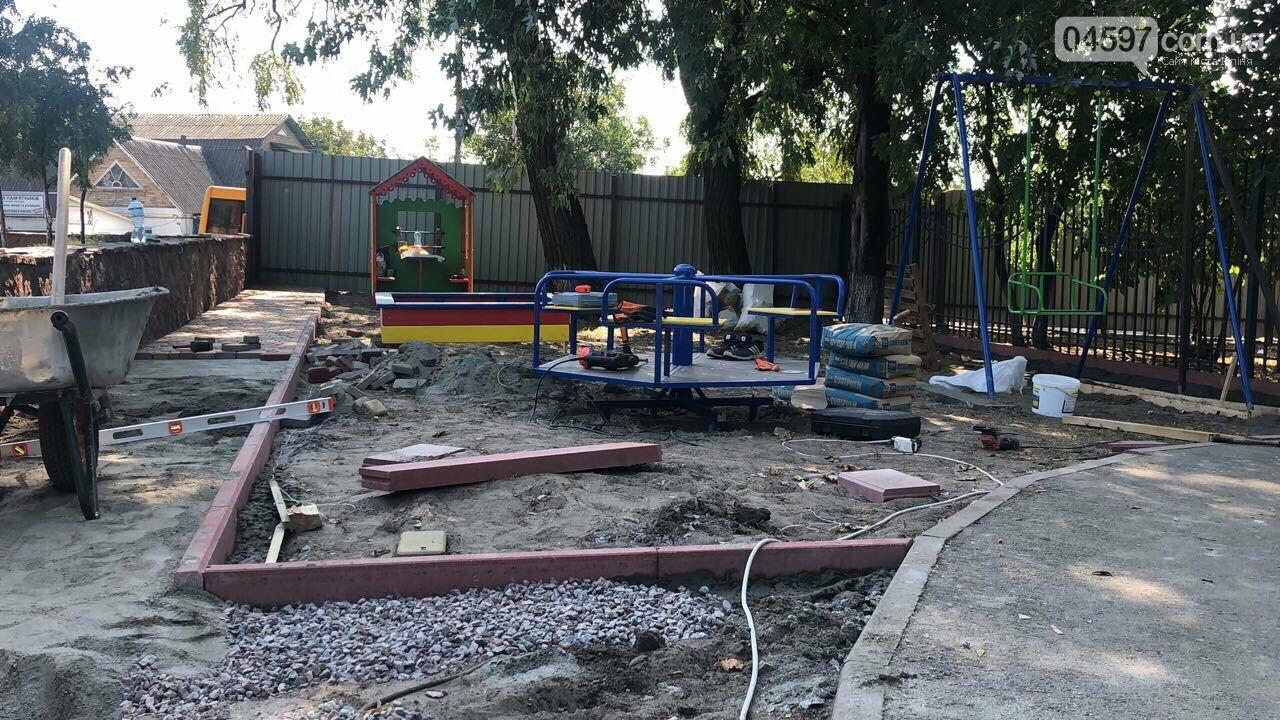 У Гостомелі встановлюють новий дитячий майданчик, фото-6