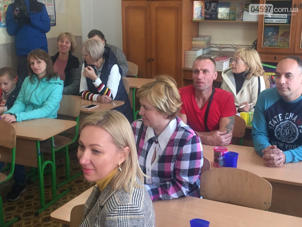 Звістку про викуп школи № 15 у Гостомелі батьки зустріли оплесками, фото-5