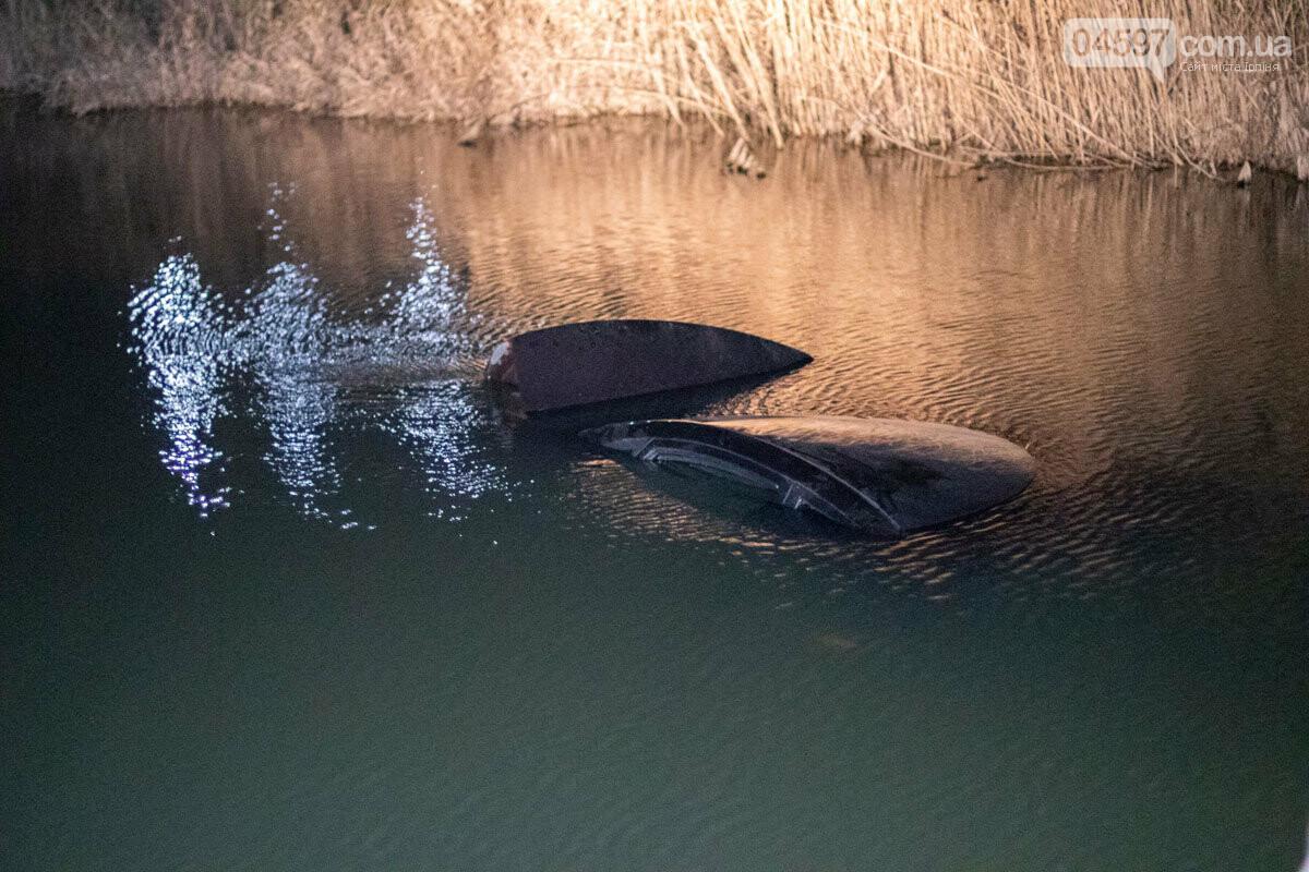 В Ірпені автівка з дитиною в салоні впала у річку, фото-2