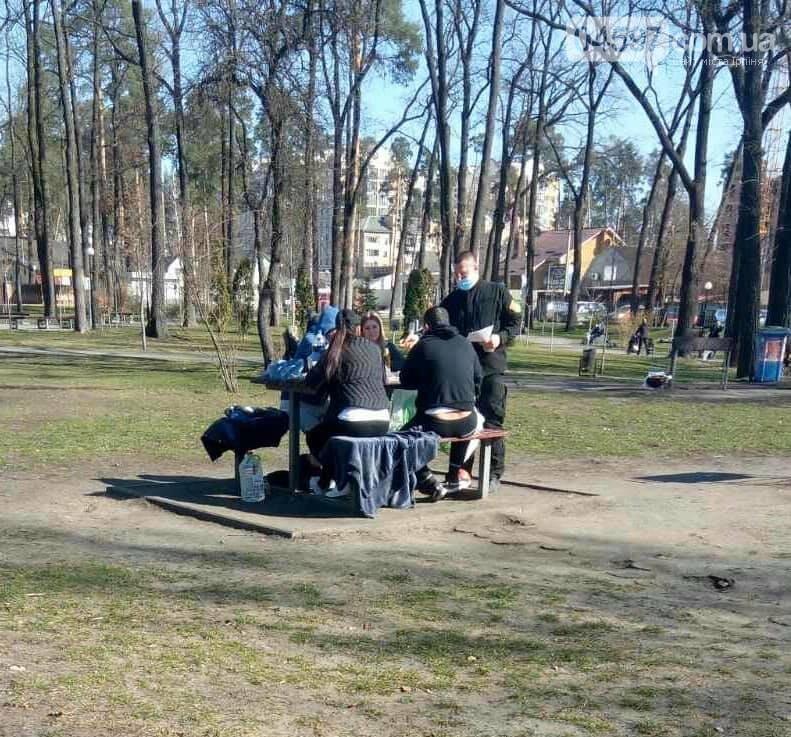 В Ірпені закрили для відвідування дитячі майданчики у парках, фото-6