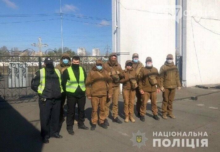 В Києві тепер патрулюють кладовища, фото-1