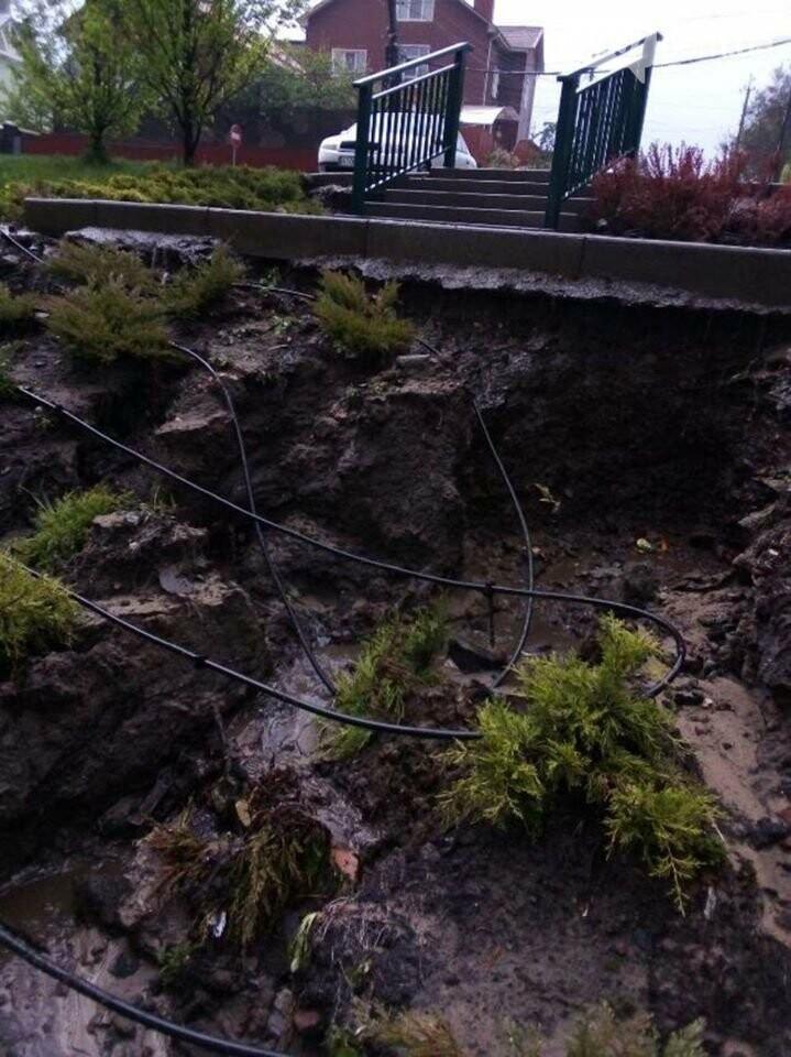 Ірпінські комунальники ліквідують наслідки вчорашньої зливи, фото-5