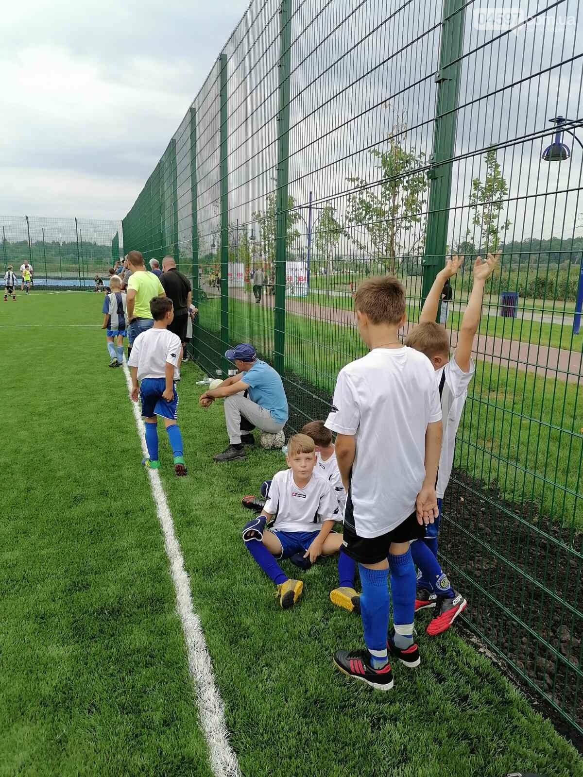 Спочатку діти: на новому полі в Ірпені пройшов чемпіонат з футболу, фото-5