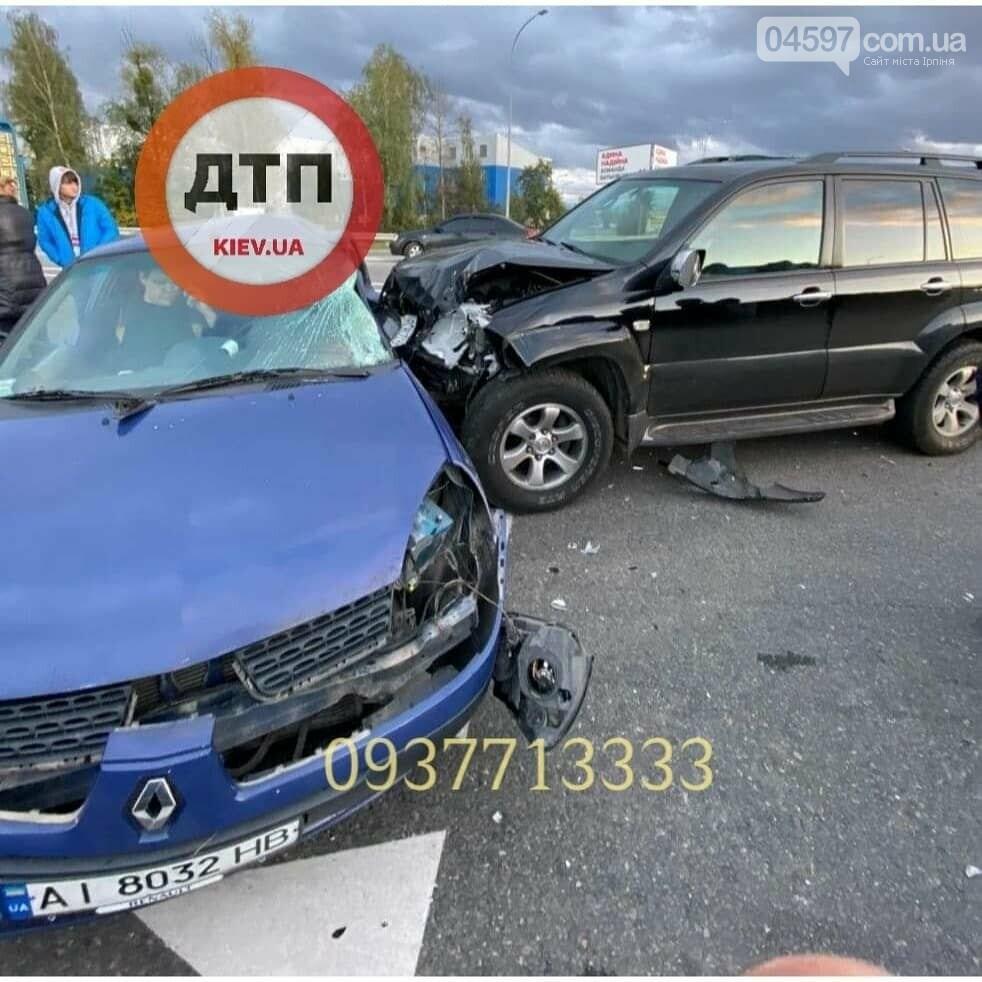 У Ворзелі позашляховик протаранив у бік Renault (ФОТО), фото-3