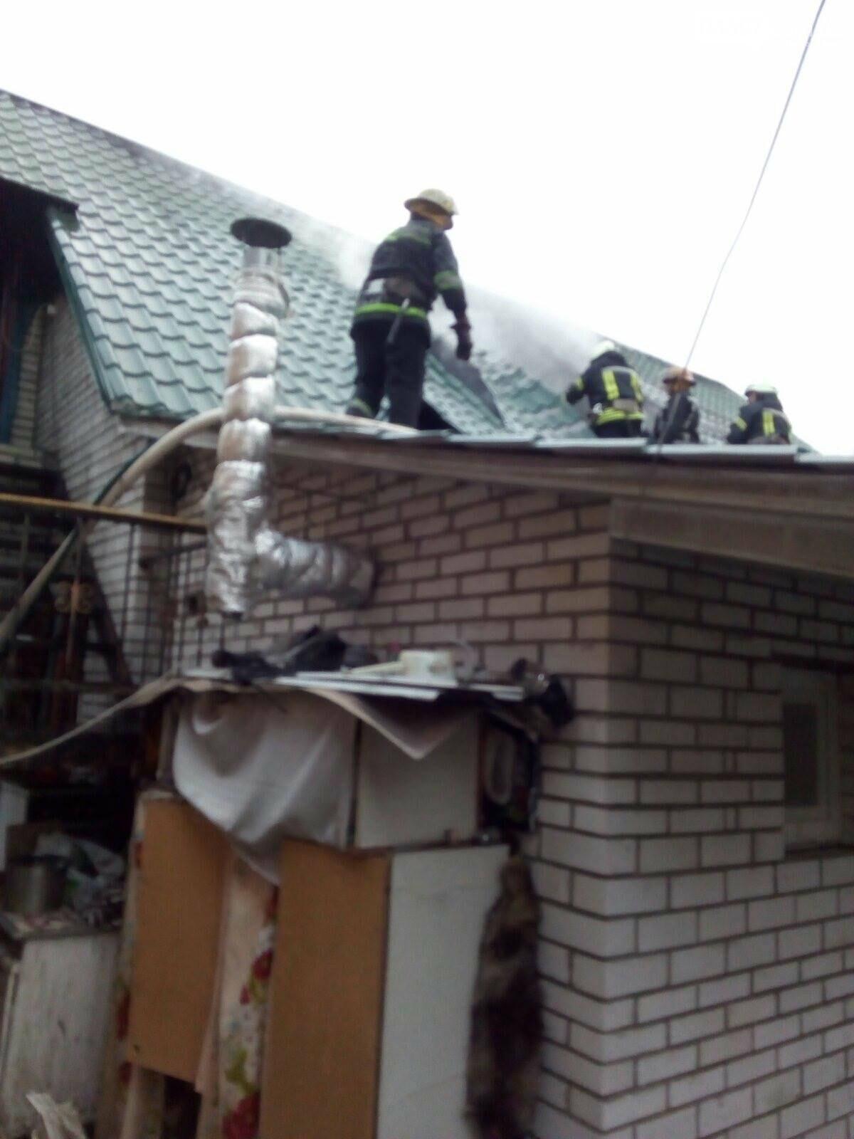 Пожежа в Бучі: у приватному будинку згоріла мансарда, фото-1
