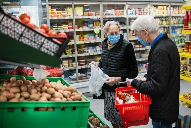 """З 10 до 12 ранку: в Україні ввели """"пріоритетні години"""" в магазинах для літніх людей, фото-1"""