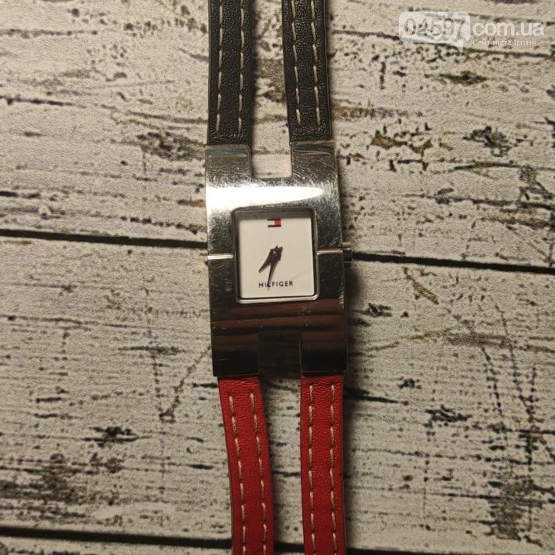 Модні жіночі годинники-2021: відтінки, дизайн, принти, фото-1