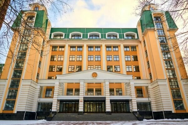 Фіскальний університет опинився у рейтингу кращих вузів України