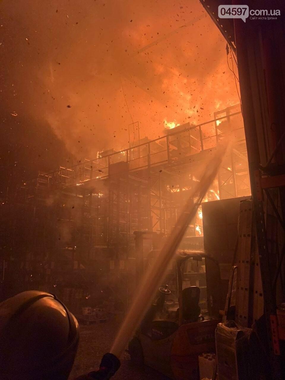 В Ірпені загорівся склад